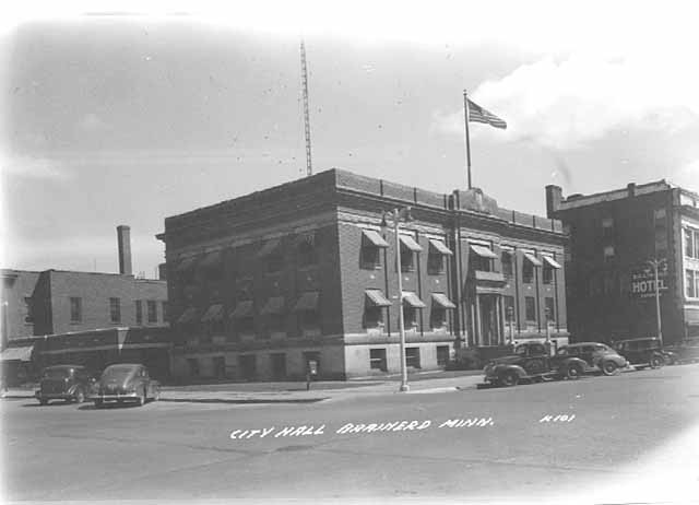 City Hall 1950 - 501 Laurel Street